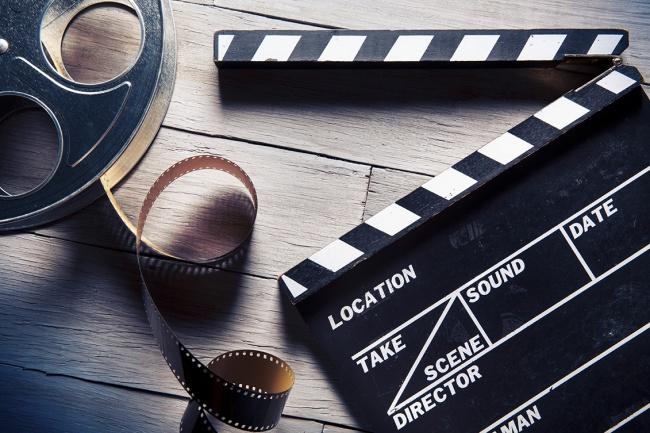 Обрезка или Склейка видеоМонтаж и обработка видео<br>Обрезка или же склейка несколько видео длительностью до 10 минут. Также это может быть слайд-шоу из нескольких фотографий.<br>