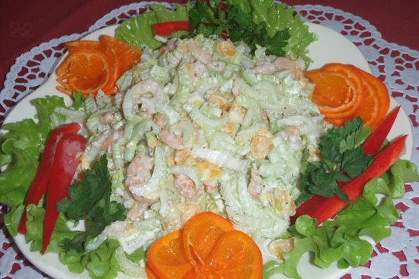 Теплые и холодные салаты. Оригинальные рецептыРецепты<br>Оригинальные рецепты теплых и холодных салатов (мясные, рыбные, грибные, овощные, вегетарианские). Украшение Вашего стола<br>