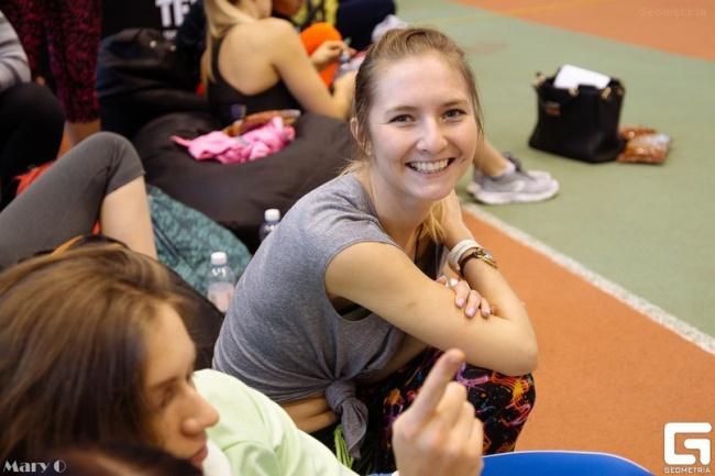 Составление плана питания и тренировок для похуденияЗдоровье и фитнес<br>Я бывшая спортсменка, за плечами более 10 лет спорта. На сегодня являюсь лицензированным в нескольких направления фитнеса инструктором (танцевальные тренировки, силовой тренинг, аквааэробика, стретчинг). Я помогу выбрать подходящий для вас курс тренировок, по которому вы сможете заниматься не только в тренажерном зале или бассейне, но и дома, и на улице. Также научу вас правильному питанию и составлю план питания, который будет учитывать особенности вашего образа жизни. Путь к похудению не быстрый, вам потребуются как минимум полгода, а лучше год. Но я постараюсь за 2,5 месяца настроить вашу жизнь на новый лад, чтобы вы смогли самостоятельно продолжить путь к самосовершенствованию. Моя программа рассчитана на 2,5 месяца и контроль по питанию и выполненным тренировкам 1 раз в две недели. В соответствии с процентом выполнения поставленных задач на две неделю, корректируется и высылается новое питание и план тренировок сроком также на 2 недели. Каждые две недели оплачиваются отдельно. Чтобы составить ваш план питания, вы должны заполнить мне анкету и только после этого приступаю к работе. Анкета во вложении.<br>