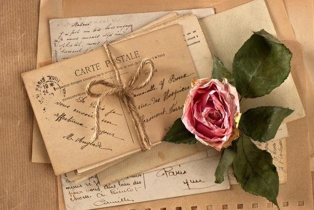 Напишу письмо на состаренной бумагеИнтересное и необычное<br>В наш век компьютерных технологий многие люди уже и не помнят как выглядят бумажные письма, которые наши дедушки и бабушки считали единственным средством передачи информации на далекие расстояния. Предлагаю возобновить эту хорошую традицию. Напишу письмо от вашего имени на состаренной бумаге с обожженными краями, почерк у меня разборчивый, и отправлю его почтой.<br>