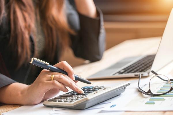 Выполню бухгалтерские услугиБухгалтерия и налоги<br>Оказываю бухгалтерские услуги: составление первичных документов (в т.ч. и кадорвых), консультирование как сделать или сама выполняю определенные бухгалтерские операции, проводки и т.п. Формирование отчетности.<br>