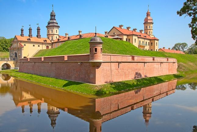 Помогу организовать экскурсию в красивейшей замок Белоруссии - Несвижский замок 1 - kwork.ru