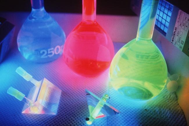 Помогу решить контрольную по химии и лабораторныеРепетиторы<br>Помогу решить контрольную по химии школьного уровня. Органическая, неорганическая химия. Быстро, качественно. Университетского уровня - аналитическая,физическая,коллоидная,физико-химические методы анализа. Так же лабораторные по этим дисциплинам.<br>