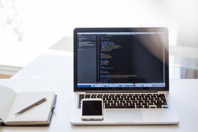 Разработка сайта под ключСайт под ключ<br>Сверстаю быстро и качественно сайт под ключ по вашему техническому заданию. От вас требуется лишь подробное описание нужного вам сайта. После завершения работы, вы получаете рабочий сайт.<br>