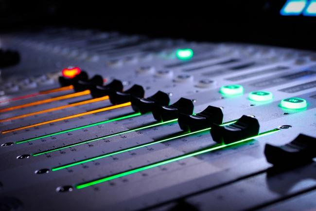 Сделаю нарезку аудио файлов в одну аудиозаписьРедактирование аудио<br>Занимаюсь звуковой обработкой, а так же склейкой и нарезкой аудио. Работа происходит в программе Cubase.<br>