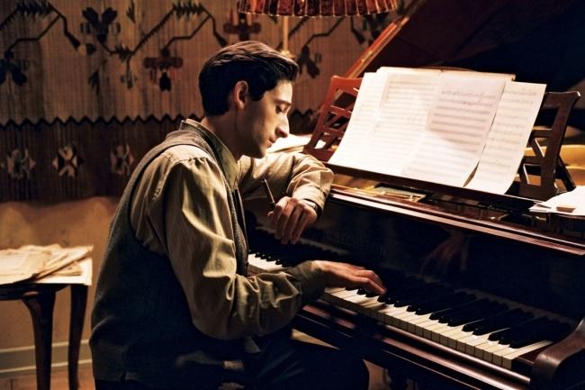 Сочиню красивую мелодию на фортепианоМузыка и песни<br>Сочиню красивую мелодию на фортепиано. Выполню качественно и в нужные для вас сроки. Здесь представлена одна из моих работ http://www.youtube.com/watch?v=92Sln99-RAE<br>
