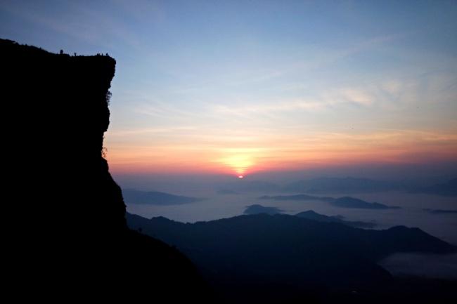Настоящий Таиланд. Организую ваш авто(мото) трип по горному ТаюПутешествия и туризм<br>Таиланд - это не Паттайя, Пхукет, Самуи и прочие раскрученные туристические места. (вернее, не только они) Если вы хотите увидеть настоящий Тай, вам на Север. Сейчас душа Таиланда там. Я готов поделиться с вами своими знаниями. Вы узнаете : - как легко и интересно добраться из Бангкока на север ; - откуда лучше всего начать свой трип по горным провинциям ; - составлю для вас подробный маршрут для авто или байка исходя из ваших временных ограничений и интересов; - и самое главное - то, ради чего вообще стоит ехать не на побережье, а именно в северный горный Таиланд. дополнительные опции : - достопримечательности севера Тая. В том числе и про которые вы не узнаете из интернета ; - как куда попасть на севере Таиланда<br>