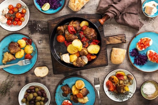 Поделюсь рецептами вкусных закусокИнтересное и необычное<br>Когда хочется отдохнуть с друзьями и надоели химические чипсы и сухари, то эти рецепты для вас. Предлагаю рецепты 3-х блюд, которые готовятся быстро и легко: 1. куриные крылышки в медовом маринаде на винном уксусе 2. домашние чипсы 3. сырные палочки<br>