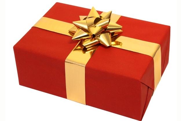 Помогу выбрать подарок, предложу 10 идейИнтересное и необычное<br>Подберу 10 идей подарка на любое торжество! Из 10 вы сможете выбрать самый оптимальный для вас вариант. Распишу для каждого подарка цену, плюсы, минусы, способ использования, целевую аудиторию (подойдет/не подойдет? ). Прочитаю все отзывы о подарке, чтобы предупредить вас о подводных камнях, если таковые имеются. Расскажу, где купить, как лучше проехать к нужному месту. Если вы из другого города (не из Москвы или МО), то могу посодействовать и отправить выбранный вами подарок почтой России (за доп. плату). При этом фото чека об отправке вышлю в сообщения. Также дам трек-номер для отслеживания. Дорожу своей репутацией, работаю без обмана. Хрупкие вещи и технику отправляю под вашу ответственность. Либо предложу вам выбрать другой подарок, т. к. наша почта очень небрежно относится к чужому имуществу. В качестве дополнительной опции предлагаю красиво упаковать ваш подарок. *Ставлю срок выполнения 3 дня на тот случай, если необходимо будет пойти купить и отправить по почте подарок. Так выполняю за день.<br>