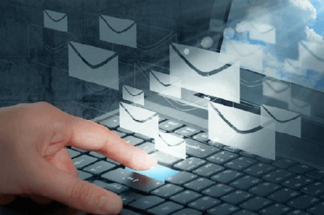 Вручную разошлю письма на еmail-адресаE-mail маркетинг<br>Вручную в короткие сроки разошлю письма (до 500 штук) на еmail-адреса вашей базы. Помните! Письма разосланные вручную не получают бан и не попадают в черный список ! Предоставлю отчет о проделанной работе.<br>