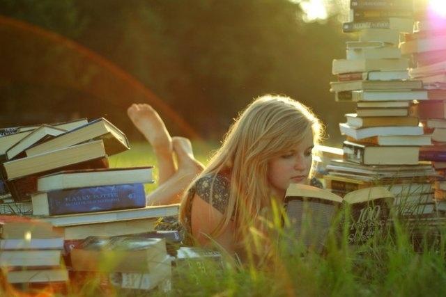 Напишу художественное произведениеСтихи, рассказы, сказки<br>Пишу художественные литературные произведения разной тематики: рассказы, новеллы, повести, эссе, стихи. Автор 2-х романов, повестей и множества рассказов. Могу написать научно-популярные статьи. Опыт имеется.<br>