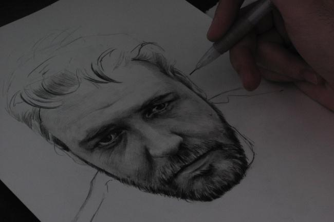 Портрет карандашомИллюстрации и рисунки<br>Нарисую для вас портрет в карандашной технике. Вышлю скан с высоким разрешением, для печати. Могу нарисовать как вас, так и что-то индивидуальное, на ваше усмотрение.<br>