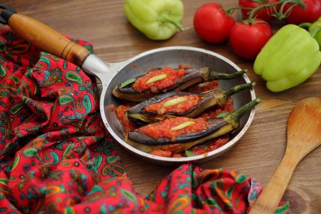 Переведу кулинарные рецепты с турецкого и азербайджанского языковПереводы<br>Владею в совершенстве турецким, азербайджанским (носитель этих языков) и русским, знаю название региональных продуктов, все нюансы готовки не только общеизвестных, но каких-то региональных блюд, название специфических местных продуктов, которые незнакомы в других регионах. Сделаю точный и качественный перевод кулинарных рецептов. Любое количество. Ограничение: 1 кворк = 2 рецепта.<br>