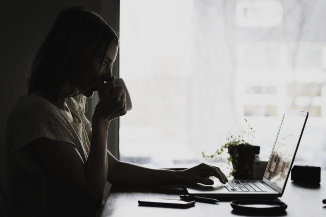 Напишу уникальный продающий текстПродающие и бизнес-тексты<br>Напишу текст для вашего сайта, блога, сообщества в соц. сетях, который не оставит ваших читателей равнодушными. Обладаю аналитическим складом ума, благодаря чему могу раскрыть все стороны любого товара и услуги разного характера. Работаю по системе AIDA(Attention, Interest, Desire, Action). Пишу обо всем живо и легко- читаемым понятным слогом. Давайте вместе создавать крутой контент, который цепляет и надолго остается в памяти.<br>