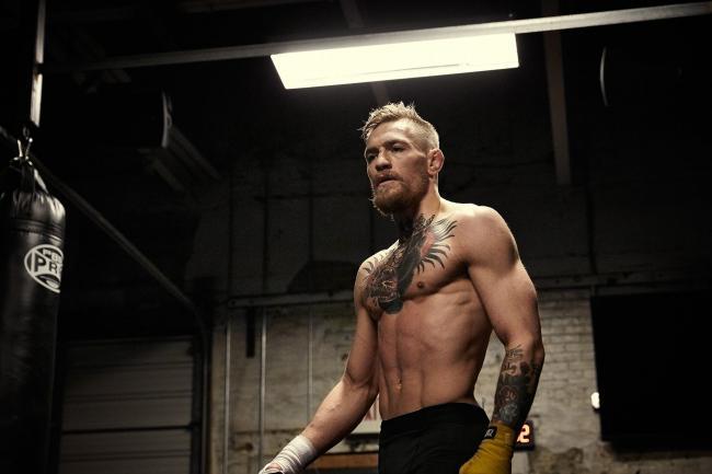 Простая программа тренировок для бойцов в домашних условияхЗдоровье и фитнес<br>Расскажу про простую программу тренировок для тех, кто хочет стать хорошим бойцом ММА, боксёром, которая поможет очень быстро развить всё то, что нужно бойцу, а именно: силу, скорость, точность, технику удара; выносливость в бою; физическую силу; работу ног; реакцию. И всё это в ДОМАШНИХ условиях. Причём, это подойдёт и тем, кто уже давно занимается этим, программу подберу по вашим возможностям, предпочтениям и т.п. + Бонус, метод, которым пользуюсь сам, и очень редко, некоторые другие знаменитые профессиональные бойцы, об этом знают немногие, но я уверен, что это очень поможет стать лучшим абсолютно каждому.<br>