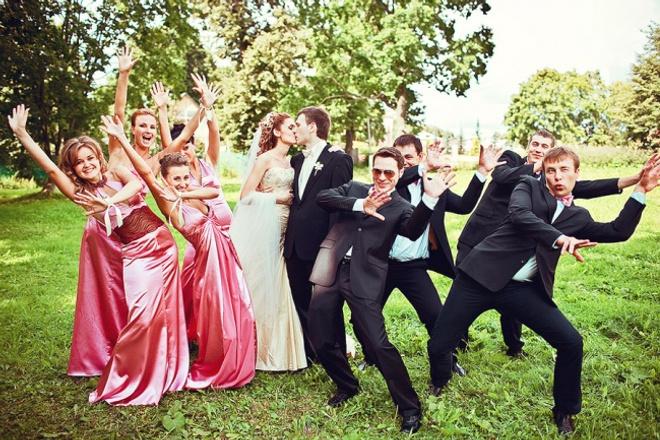 Переделка песниМузыка и песни<br>Когда Вас приглашают на Свадьбу или Юбилей, вопрос оригинального поздравления встаёт очень остро, даже впереди пресловутого что одеть?. Переделываю любые песни в оригинальные и запоминающиеся поздравления. Песню можете выбрать самостоятельно. Либо можете описать желаемый эффект (ноги рвутся в пляс, все плачут и обнимаются и др.)<br>