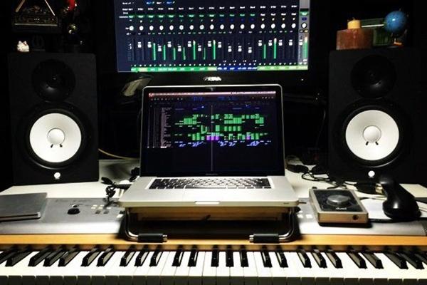 Напишу музыку, создам минусовку, сделаю ремикс, песня в подарок 1 - kwork.ru