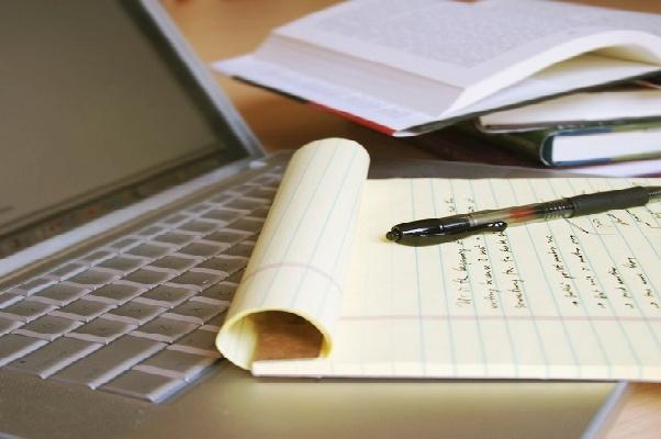 Копирайтинг и рерайтингСтатьи<br>Занимаюсь копирайтингом - пишу тексты на темы : кино , спорт наука ,работа в интернете и т.д. , Какие статьи различной тематики.<br>