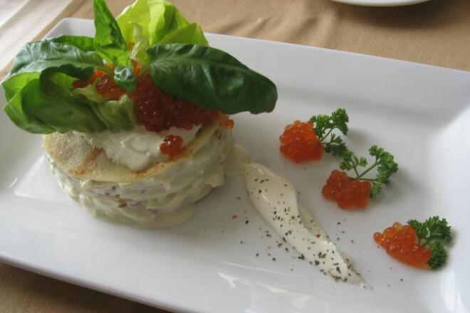 Рулеты рыбные с зеленым салатомРецепты<br>Данный рецепт содержит пошаговый рецепт приготовления (еще с древних времен) взятый из местного ресторана, рулетов рыбных в зеленом салате! Рецепт хорош тем, что у каждой домохозяйки найдутся в холодильнике все ингредиенты!<br>