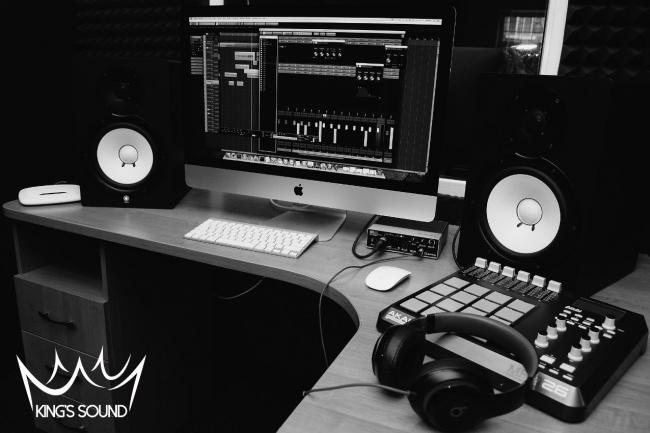 Качественная подготовка голоса для сведения рэп или хип - хоп трекаРедактирование аудио<br>Подготовка голоса включает в себя: - отбор лучших дублей и сбор их в фразы - чистка голоса от шума, слюней и прочих посторонних звуков - исправление ритмических ошибок и улучшение ритмики исполнителя - Тюн голоса - исправление ошибок связанных с тональностью трека и исполнения. Работаю с альтернативными современными стилями, на хорошей студии и качественным оборудованием. Опыт работы в этих стилях достаточный, чтобы ответить за свою работу и качество её выполнения.<br>