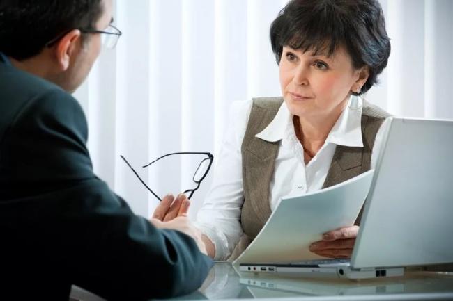 Стратегическое консультированиеОбучение и консалтинг<br>Что вы получите Согласно договорённости и поставленных задач, по итогам консультирования Вы получите: экспертную оценку по вопросам с которыми обратились; анализ текущего состояния; анализ сильных/слабых сторон, возможностей и рисков включая рекомендации по их использованию; экспертное мнение о вариантах стратегии роста, а также при выборе варианта визии и миссии; анализ существующих и требуемых ресурсов; план развития на краткосрочный, среднесрочный, долгосрочный периоды; план развития компетенций; перечень приоритетных улучшений.<br>