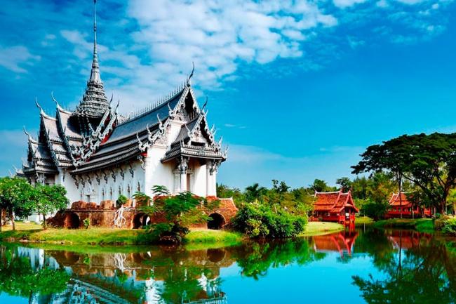 Тайланд. Консультация о самостоятельном туризме в странуПутешествия и туризм<br>Пожалуйста. Прочтите внимательно данное сообщение, прежде чем обращаться за помощью. Я не готов дать вам ответ на все вопросы - такого не бывает! Для начала - развеем возможные страхи перед поездкой в Таиланд и перед самостоятельным туризмом. Затем, подберем на основании ваших пожеланий уголок Тая, в котором вам было бы наиболее комфортно! Определившись с вашим предпочтением в отдыхе - составим примерные маршруты движения по стране/локации. Расскажу вам об основах бытия в Тае и где и на чем можно значительно сэкономить! Помогу подобрать авто или мото-транспорт и расскажу основы ПДД. Помогу с подбором или порекомендую агрегаторов вилл, домов, отелей. Подберу сводку о том, куда сходить на выбранной местности и как там лучше передвигаться. Проконсультирую о вопросе приобретения наиболее выгодных билетов на перелёт. Помогу с оформлением страховок и виз. Сделаю скидку на дайвинг в Таиланде с русскими дайвинг-инструкторами и мастерами (10% для одного человека, 15% для группы от пяти человек). И в заключении, составив маршрут - сравним примерное соотношение цены Вашей поездки с возможным пакетным туром на схожие условия! Уверен, вы останетесь довольны результатом! Детальная проработка - до 5 дней!<br>