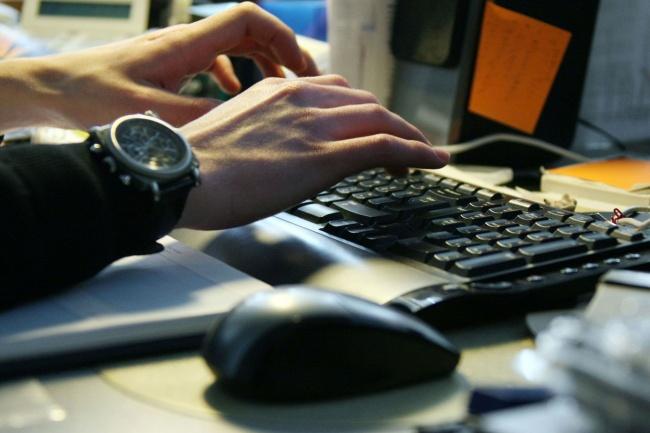 Качественный текстПродающие и бизнес-тексты<br>Напишу качественные тексты: о товарах, о компании, персонах, для рассылок и другие. Уникальные тексты, рерайт, копирайт, эмоциональные или деловые. Структурирую и подберу хорошие иллюстрации. Опыт - три года. Выполняю работу быстро.<br>
